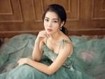 Diễn viên Thanh Hương duyên dáng, xinh đẹp trong tà áo dài-10