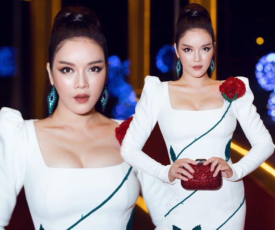 Lý Nhã Kỳ mặc nhấn vòng 1 đầy quyến rũ, đi xe 40 tỷ đến thảm đỏ LHP Việt Nam-1