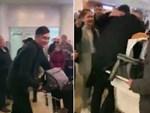 Hé lộ món bánh đặc biệt khiến mẹ Đặng Văn Lâm bật khóc mang ra sân bay cho con trai-10