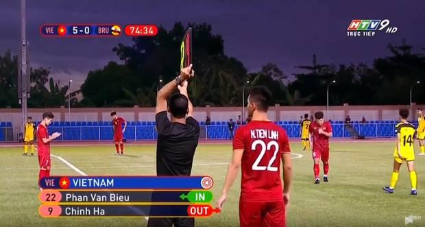 Sai sót khó chấp nhận của BTC SEA Games: Đình Trọng hồi sinh, phòng họp báo thiếu thốn, phóng viên tác nghiệp khổ sở ở trận U22 Việt Nam đấu Brunei-3