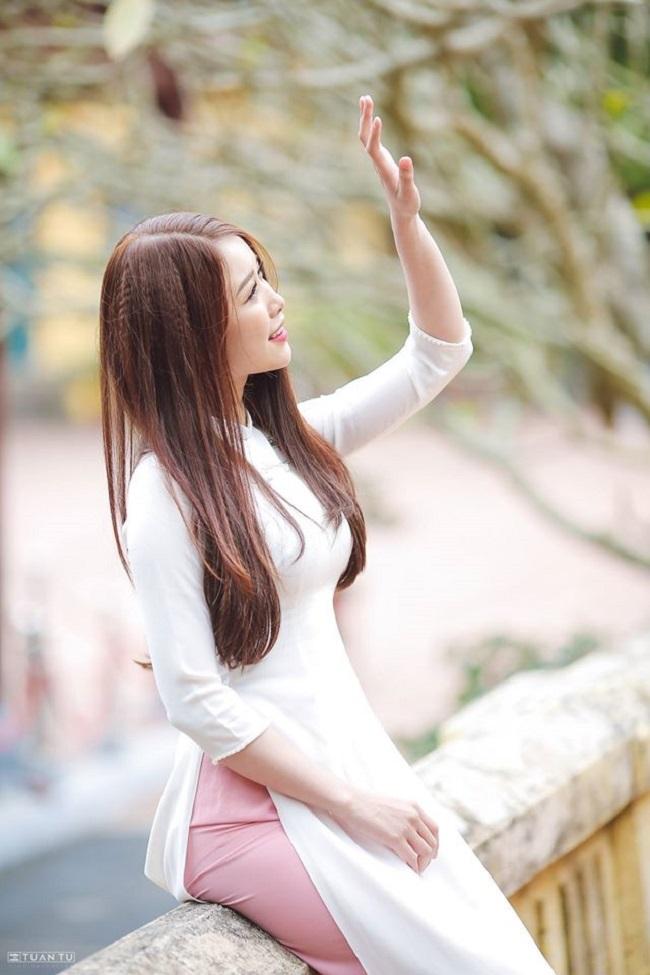 Bạn gái Văn Toàn lúc nhí nhảnh dễ thương, khi diện bikini cực chất-14