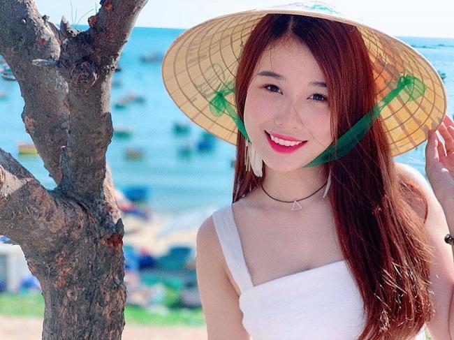 Bạn gái Văn Toàn lúc nhí nhảnh dễ thương, khi diện bikini cực chất-18
