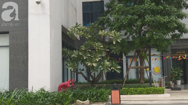 Vụ bé gái rơi từ tầng 39 ở Hà Nội: Gọi con gái dậy ăn sáng đi học, bố mẹ hốt hoảng đi tìm thì chết lặng trước sự thật đau lòng-1