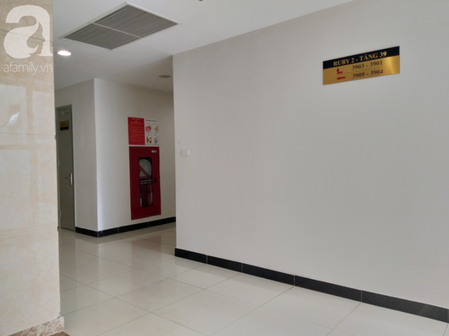 Vụ bé gái rơi từ tầng 39 ở Hà Nội: Gọi con gái dậy ăn sáng đi học, bố mẹ hốt hoảng đi tìm thì chết lặng trước sự thật đau lòng-3