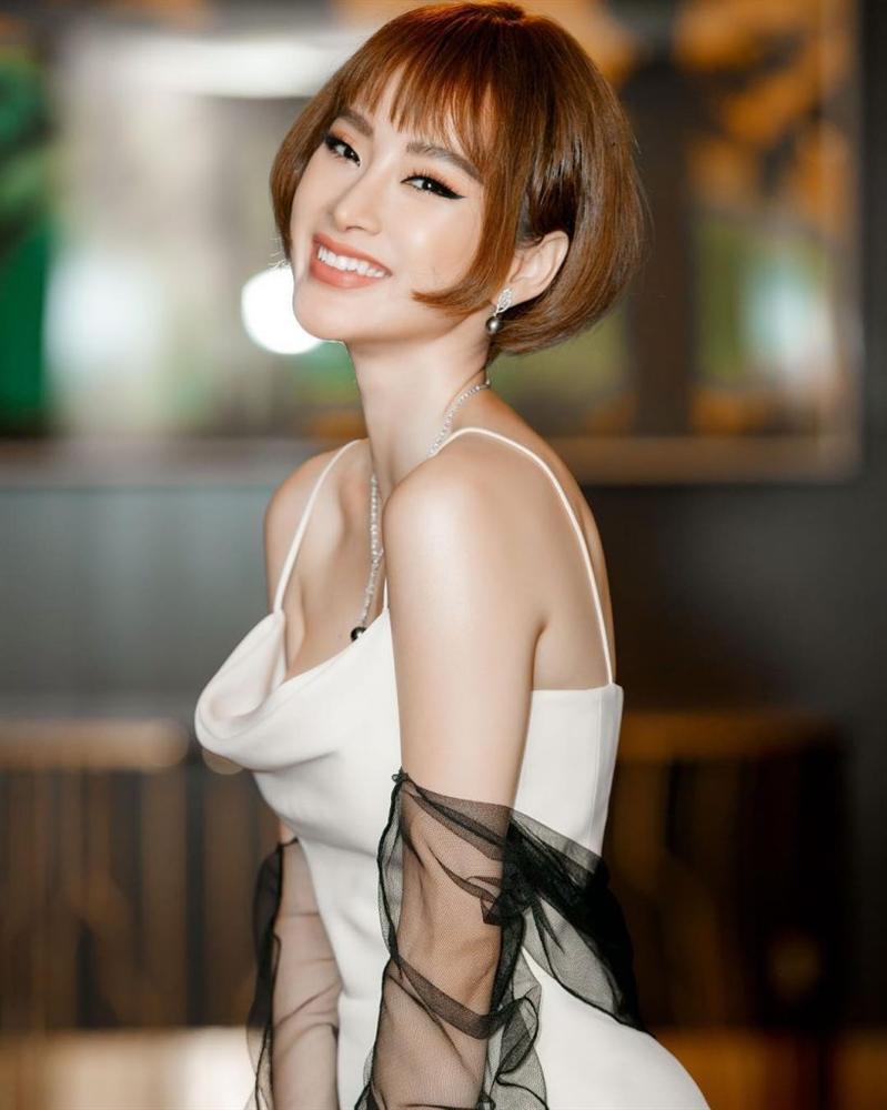 Phượng Chanel đi vào vết xe đổ của Đông Nhi và Kỳ Duyên khi bất ngờ để tóc mái thưa Hàn Quốc-7