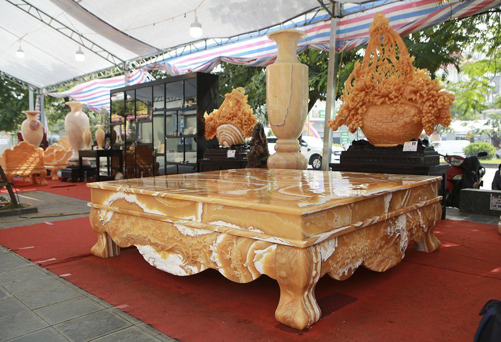 Chiêm ngưỡng chiếc sập bằng đá độc nhất vô nhị ở Hà Nội-2
