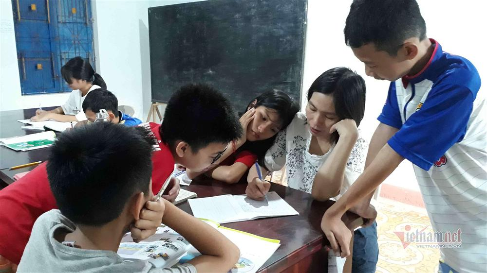 Cô giáo Quảng Trị 8 năm dạy tiếng Anh miễn phí cho học sinh-4