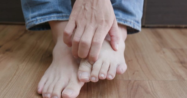 3 dấu hiệu ở bàn chân mà chúng ta thường hay lờ đi thể hiện sức khỏe đang có vấn đề-1