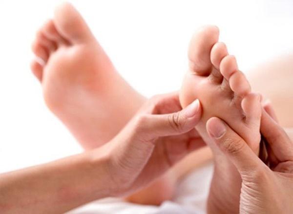 3 dấu hiệu ở bàn chân mà chúng ta thường hay lờ đi thể hiện sức khỏe đang có vấn đề-2