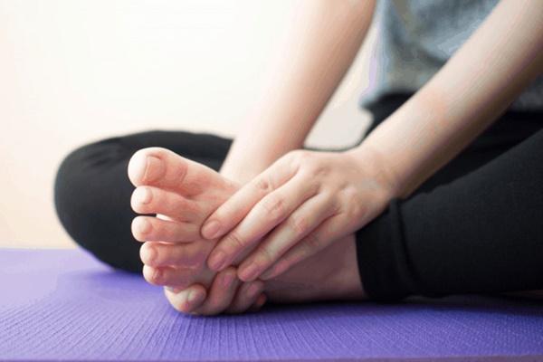 3 dấu hiệu ở bàn chân mà chúng ta thường hay lờ đi thể hiện sức khỏe đang có vấn đề-4