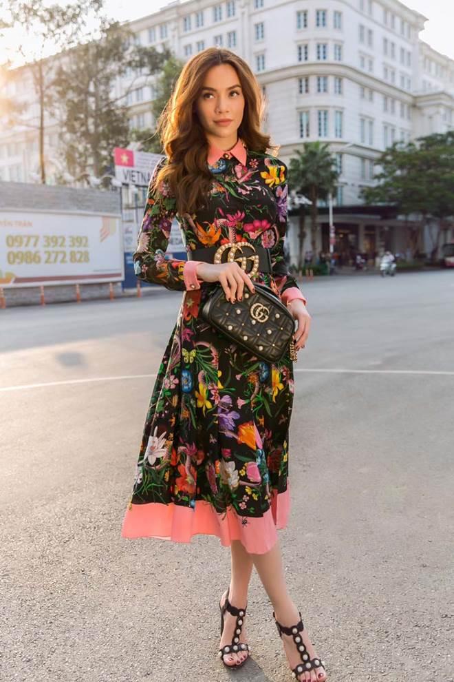 Đụng hàng chiếc đầm hoa 60 triệu với mỹ nhân khắp châu Á, Hồ Ngọc Hà vẫn đẹp bất bại-12