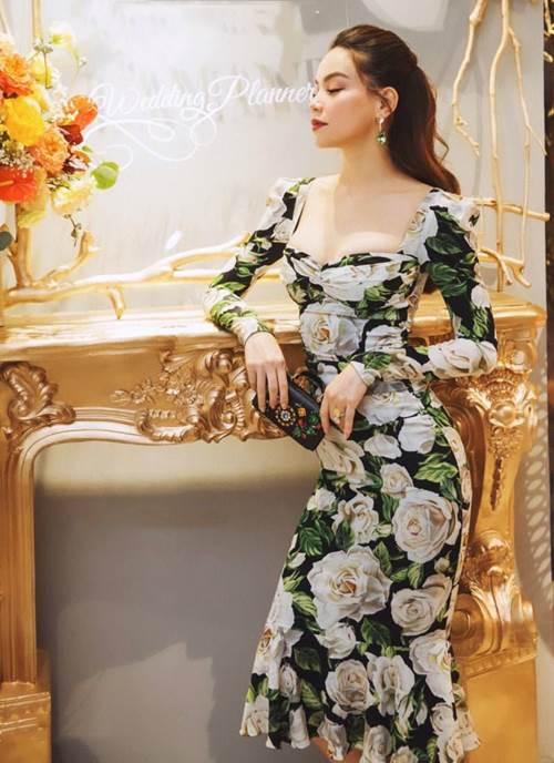 Đụng hàng chiếc đầm hoa 60 triệu với mỹ nhân khắp châu Á, Hồ Ngọc Hà vẫn đẹp bất bại-2