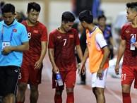 Cầu thủ U22 Lào gặp Triệu Việt Hưng để xin lỗi
