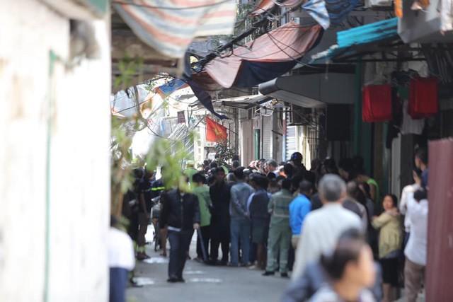 Chùm ảnh: Hiện trường vụ nổ bình gas kinh hoàng giữa phố Hà Nội đông người-6