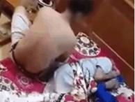 Con trai lực lưỡng tát thẳng mặt bố đau ốm, nằm quặt quẹo trên giường
