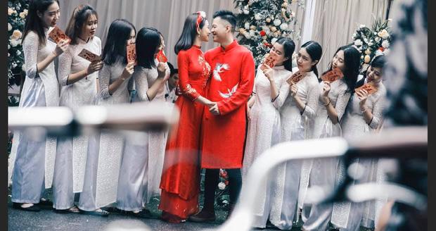 Xôn xao hình ảnh thiệp cưới của Lưu Đê Ly và Huy DX: Hé lộ thời gian tổ chức, tên viết tay theo phong cách cổ điển nhưng sai chính tả!-2