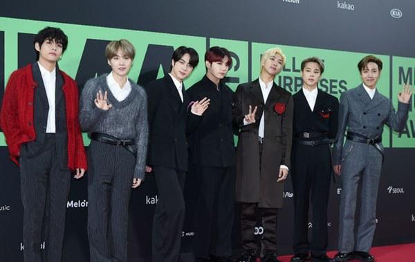 MMA 2019: BTS ẵm hết Daesang, nâng tổng thành tích gấp 3 BIGBANG; cựu thành viên Wanna One bức xúc BTC; fan X1 không phục giải của TXT-1