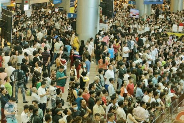 HOT: Các thành viên Running Man đã chính thức đến Việt Nam; Xuất hiện tình trạng móc túi, mất an ninh vì lượng người đông như vỡ trận-14