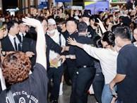 HOT: Các thành viên Running Man đã chính thức đến Việt Nam; Xuất hiện tình trạng móc túi, mất an ninh vì lượng người đông như 'vỡ trận'