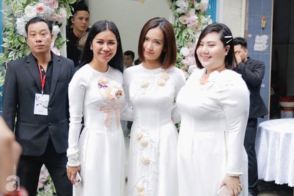 Đám cưới Á hậu Hoàng Oanh cùng bạn trai ngoại quốc: Cô dâu chú rể hạnh phúc trao nhau nụ hôn cùng bước lên xe-43