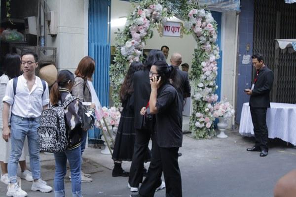Đám cưới Á hậu Hoàng Oanh cùng bạn trai ngoại quốc: Cô dâu chú rể hạnh phúc trao nhau nụ hôn cùng bước lên xe-52