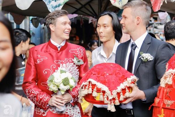Đám cưới Á hậu Hoàng Oanh cùng bạn trai ngoại quốc: Cô dâu chú rể hạnh phúc trao nhau nụ hôn cùng bước lên xe-37