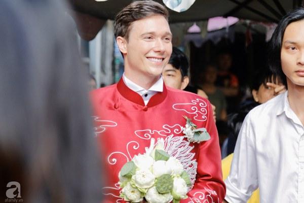 Đám cưới Á hậu Hoàng Oanh cùng bạn trai ngoại quốc: Cô dâu chú rể hạnh phúc trao nhau nụ hôn cùng bước lên xe-41