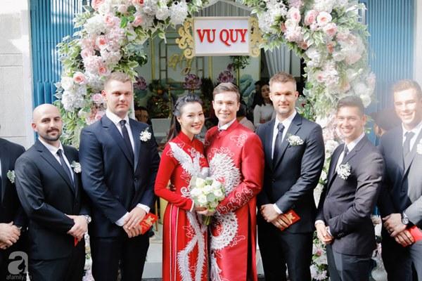 Đám cưới Á hậu Hoàng Oanh cùng bạn trai ngoại quốc: Cô dâu chú rể hạnh phúc trao nhau nụ hôn cùng bước lên xe-18