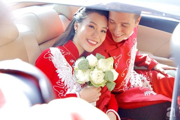 Đám cưới Á hậu Hoàng Oanh cùng bạn trai ngoại quốc: Cô dâu chú rể hạnh phúc trao nhau nụ hôn cùng bước lên xe-4