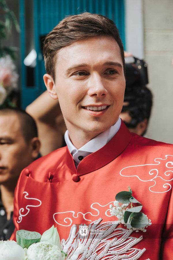 Chân dung ông xã Tây của MC Hoàng Oanh: Thông tin đời tư cực hiếm, đẹp trai cực phẩm với mũi cao, body vạm vỡ-1