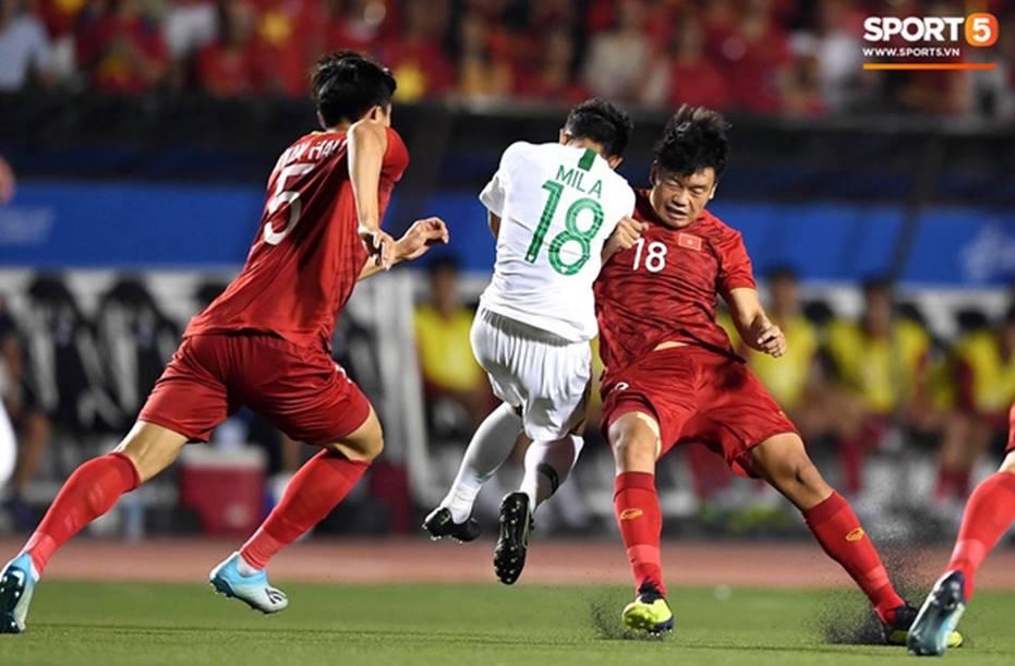 U22 Việt Nam 2-1 U22 Indonesia: Siêu phẩm của Hoàng Đức mang lại bàn thắng ở phút bù giờ!!-2