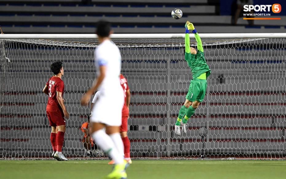 U22 Việt Nam 2-1 U22 Indonesia: Siêu phẩm của Hoàng Đức mang lại bàn thắng ở phút bù giờ!!-3