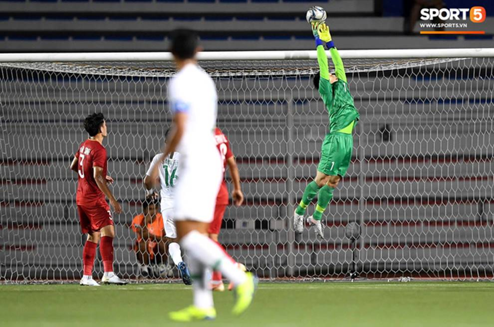 U22 Việt Nam 2-1 U22 Indonesia: Siêu phẩm của Hoàng Đức mang lại bàn thắng ở phút bù giờ!!-5