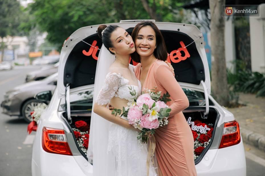 Nhã Phương sánh đôi với Trường Giang, cùng dàn sao Vbiz tới chung vui trong đám cưới Hoàng Oanh-20