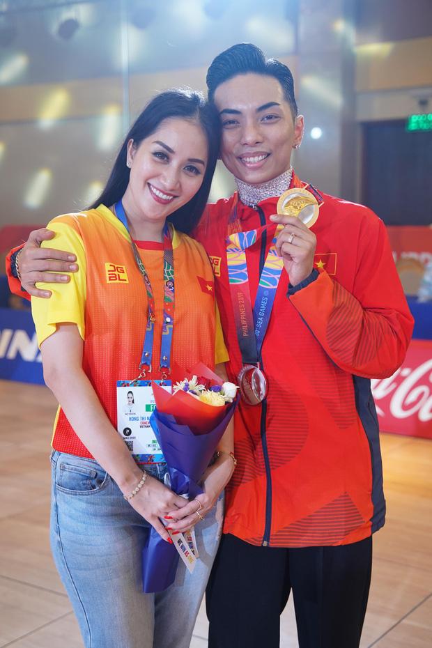 Phan Hiển chính thức giành HCV tại Seagames 30, Khánh Thi lập tức òa khóc nức nở, ôm chầm lấy chồng vì quá hạnh phúc!-6