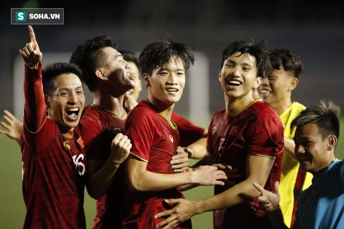 HLV Lê Thụy Hải: Tôi ngạc nhiên vì sao ông Park lại thay đổi thủ môn và hàng phòng ngự-3