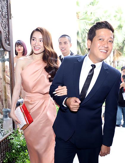 Vì một hành động trong đám cưới Hoàng Oanh, Trường Giang được khen ngợi là ông chồng chiều vợ nhất showbiz Việt-2