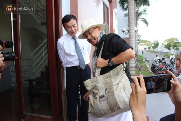 Phúc thẩm vụ ly hôn nghìn tỷ tại cà phê Trung Nguyên: Sau nhiều lần xin hoãn, bà Lê Hoàng Diệp Thảo vừa đến tòa đã đề nghị thay đổi HĐXX?-2