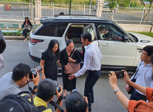 Phúc thẩm vụ ly hôn nghìn tỷ tại cà phê Trung Nguyên: Sau nhiều lần xin hoãn, bà Lê Hoàng Diệp Thảo vừa đến tòa đã đề nghị thay đổi HĐXX?-5