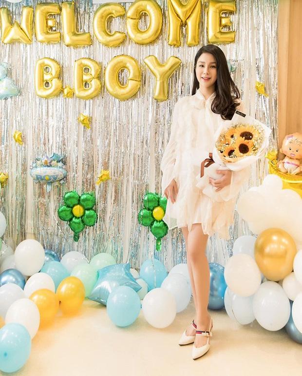 Tròn 1 tháng sau sinh, Diệp Lâm Anh diện váy ôm sát vòng eo gọn đến ngỡ ngàng-3
