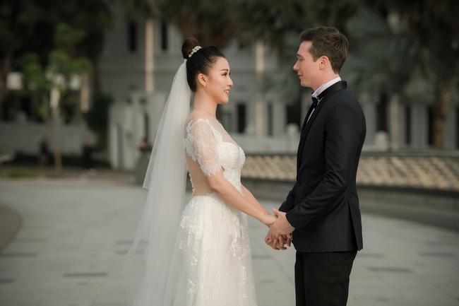 Vừa cưới chồng chưa đầy 1 ngày, Á hậu Hoàng Oanh đã lộ dấu hiệu cho thấy đang mang thai?-4