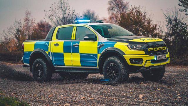 Cảnh sát Dubai chọn Tesla Cybertruck, trong khi người Anh tín nhiệm Ranger Raptor-5