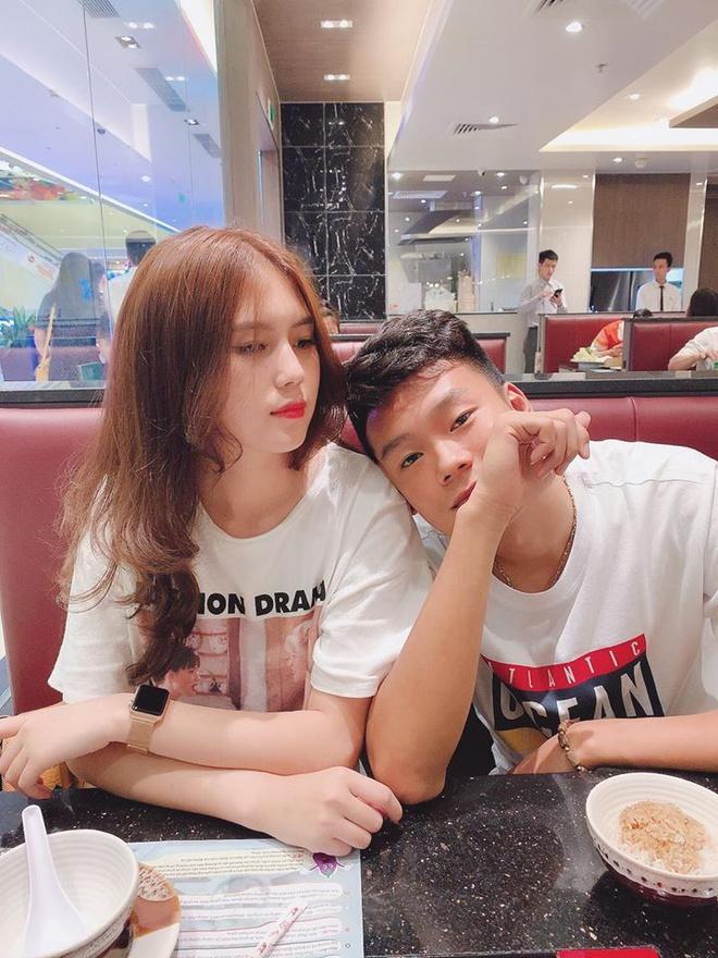 Trung vệ Thành Chung và chuyện tình 3 năm bên bạn gái 10X-8