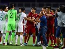 HLV Park kéo học trò ra khỏi cuộc lộn xộn với U22 Indonesia