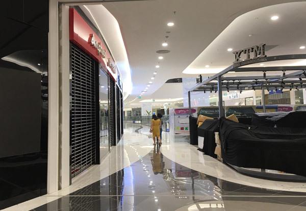 Thất vọng Aeon Mall Hà Đông, khai trương rồi hàng đóng cửa im lìm-4