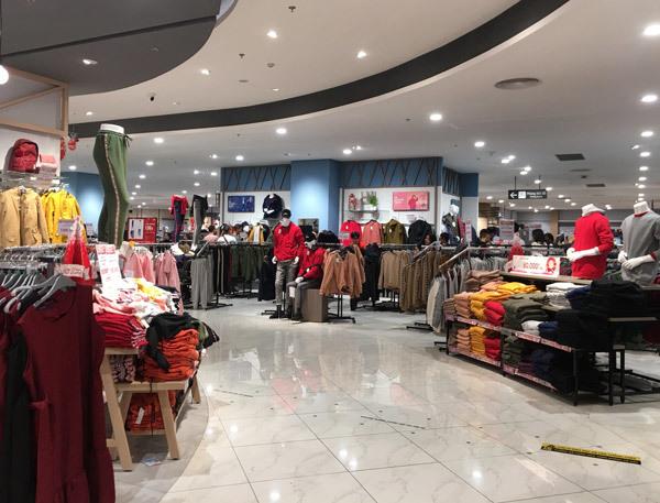 Thất vọng Aeon Mall Hà Đông, khai trương rồi hàng đóng cửa im lìm-5