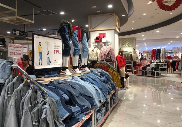 Thất vọng Aeon Mall Hà Đông, khai trương rồi hàng đóng cửa im lìm-6