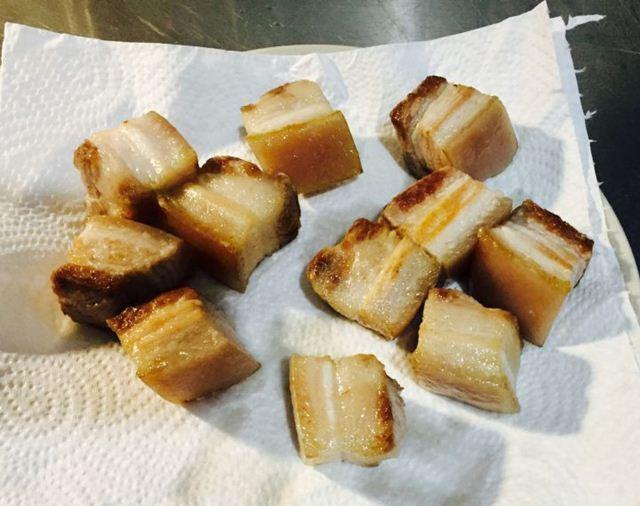 Thả thịt lợn vào nồi cơm điện, tưởng sai sai mà có ngay món ăn tuyệt đỉnh-4