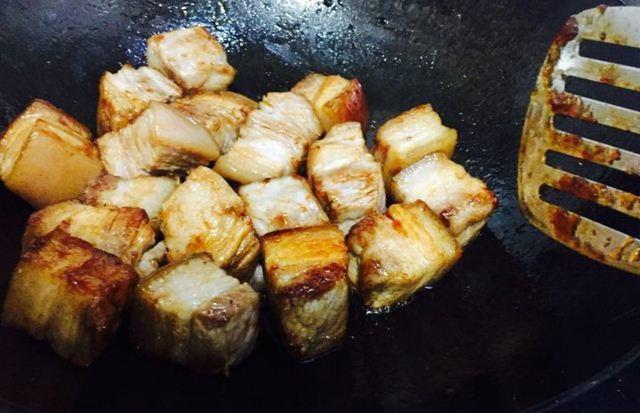 Thả thịt lợn vào nồi cơm điện, tưởng sai sai mà có ngay món ăn tuyệt đỉnh-6