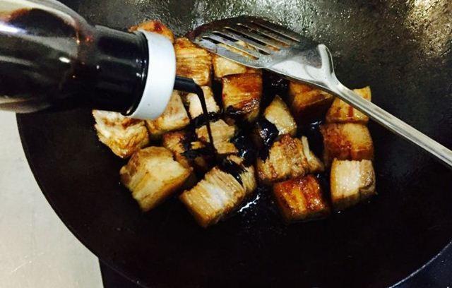 Thả thịt lợn vào nồi cơm điện, tưởng sai sai mà có ngay món ăn tuyệt đỉnh-7